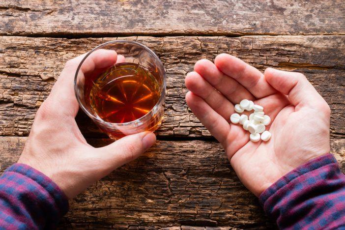 vitaminas e álcool
