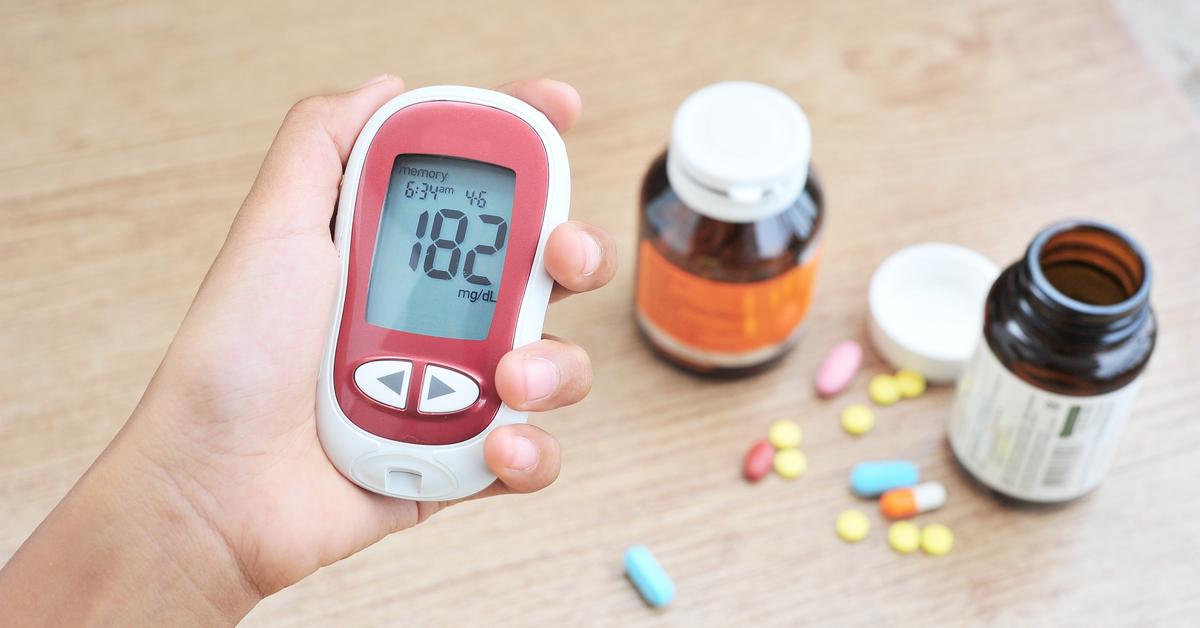 ¿Cómo se trata médicamente la diabetes tipo 2?