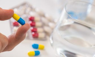 ministerio-da-saude-determina-suspensao-de-contratos-para-fabricar-19-medicamentos-de-distribuicao-gratuita