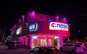 outubro-rosa-na-nissei-farmacias-tem-iluminacao-especial-e-campanha-de-arrecadacao