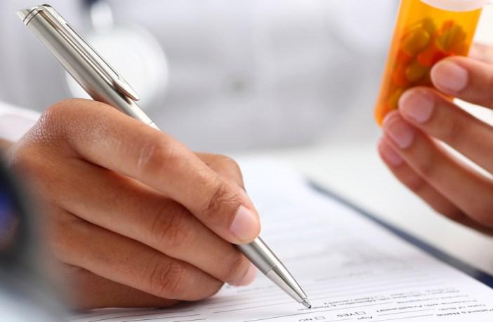 prescrição-farmacêutica-regulamentada-pelo-cff-pode-se-tornar-lei