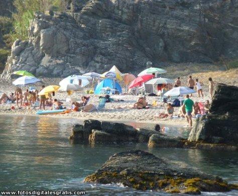 Playas de la Costa Tropical especiales para pasar el día y bucear