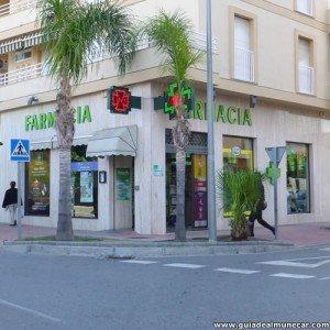 Farmacia P4 Almuñécar calle Mariana Pineda