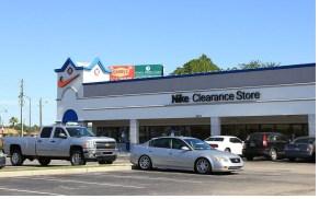 clearance-center nike fachada