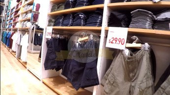 uniqlo-disney-springs-12