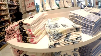 uniqlo-disney-springs-22