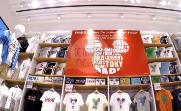 uniqlo-disney-springs-34