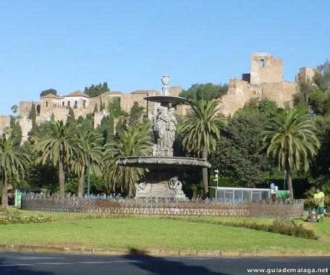 La Fuente de las Tres Gracias, en la Plaza del General Torrijos y Alcazaba.
