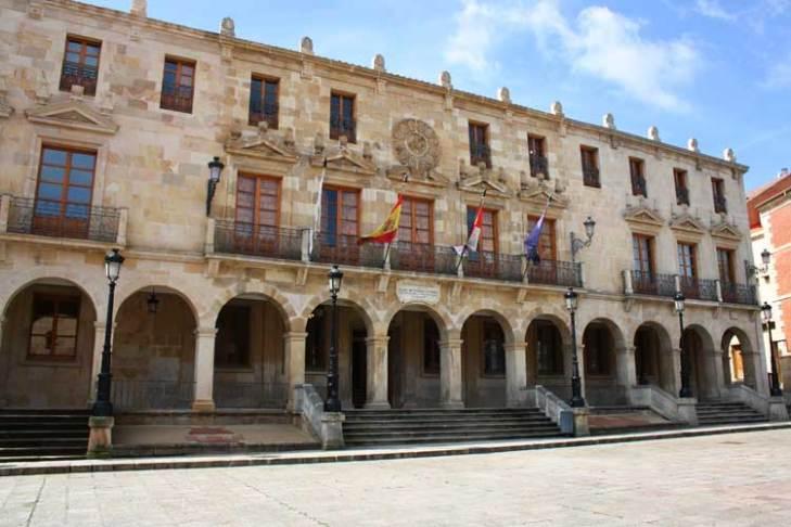 guiadesoria.es - Casa de los Doce Linajes