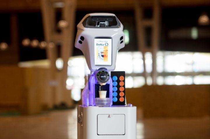 Qoffee Qar: robô serve cafezinho