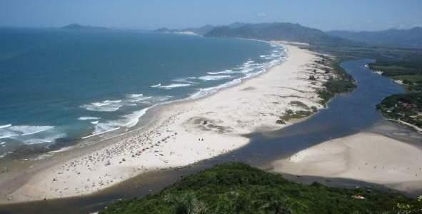 Com destino ao paraíso da Guarda do Embaú
