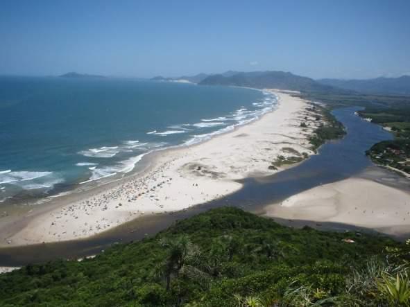 Melhores praias do Brasil: Palhoça - Guarda do Embaú - Santa Catarina