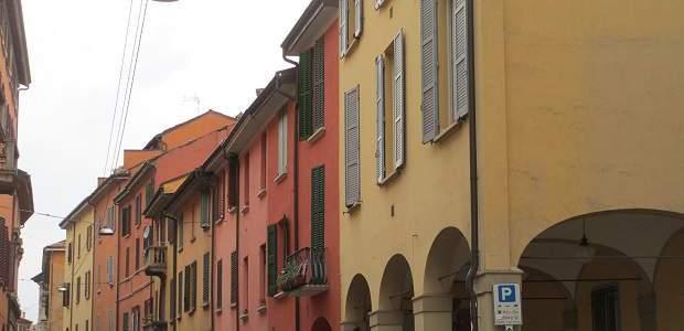 O que fazer em Bolonha? Descubra a cidade vermelha da Itália!