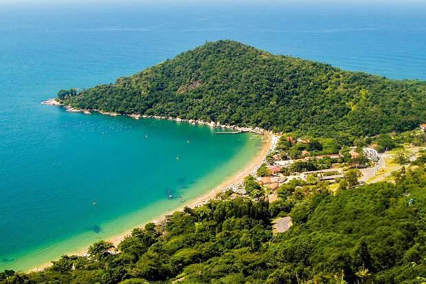 Melhores praias do Brasil: Balneário Camboriú - Praia das Laranjeiras - Santa Catarina