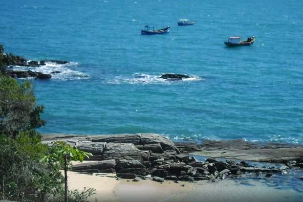 Melhores praias do Brasil: Bombinhas - Praia da Sepultura - Santa Catarina