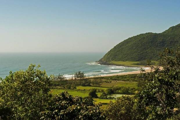Melhores praias do Brasil: Garopaba - Praia do Silveira - Santa Catarina
