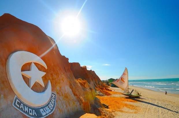 Melhores praias do Brasil: Aracati - Praia de Canoa Quebrada - Ceará