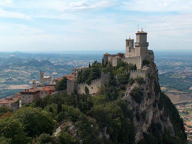 Países que não precisam de visto para brasileiros: San Marino