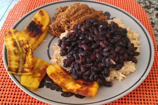 Pabellón Criollo: comidas típicas da Venezuela