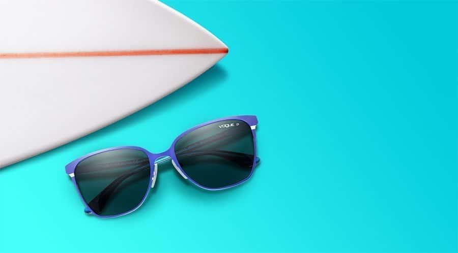 e69412f97 ... de lojas Sunglass Hut faz parte do grupo Luxottica e desembarcou no  Brasil em 2011, com uma loja no Rio de Janeiro. O foco da marca são óculos  de ...