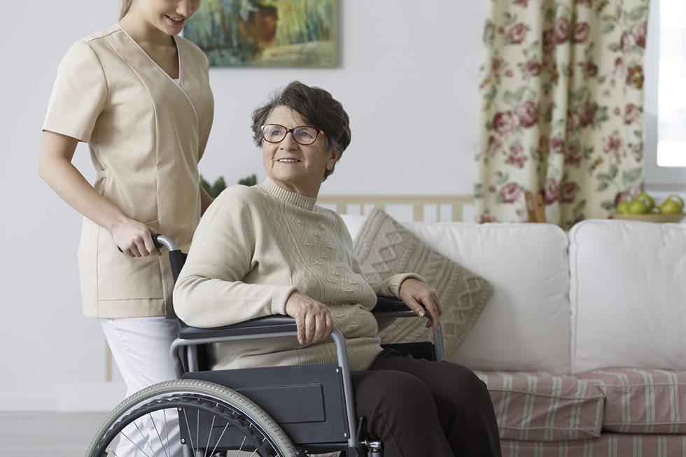como se tornar um cuidador de idosos