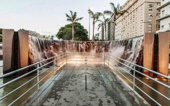 Monumento a las Cataratas