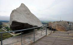 Réplica de la Piedra Movediza