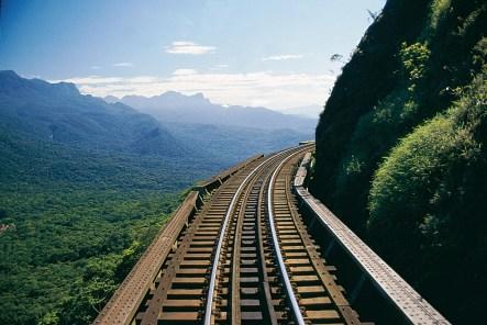 Passeio de trem pela Serra do Mar