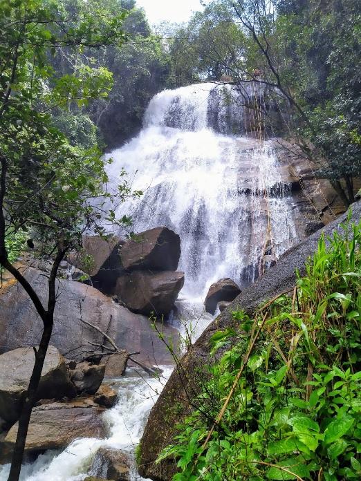 Cachoeira Véu da Noiva ou da Mata