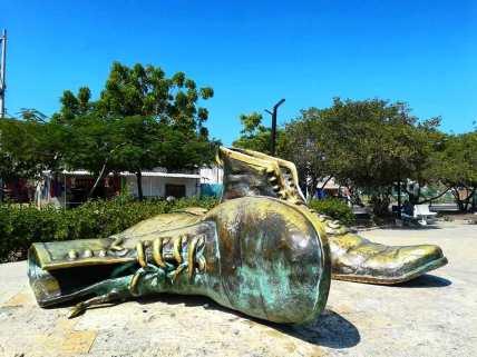 Monumento a los Zapatos Viejos/ foto Gustavo Cabrales