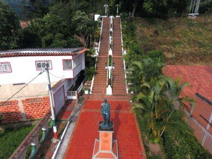 Plazoleta Bolívar y las Escalinatas