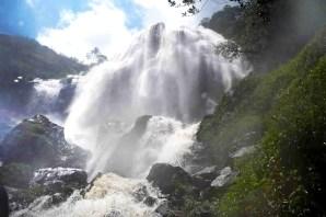 Cascada Manto de La Virgen