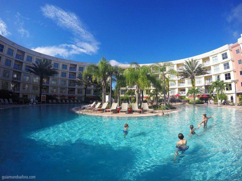 piscina de Melia Orlando hotel para famílias em Orlando