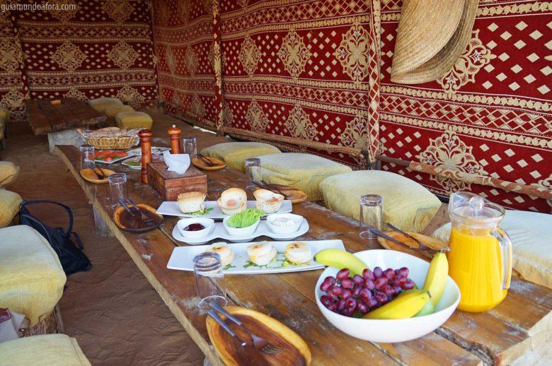 café da manhã do deserto de Dubai