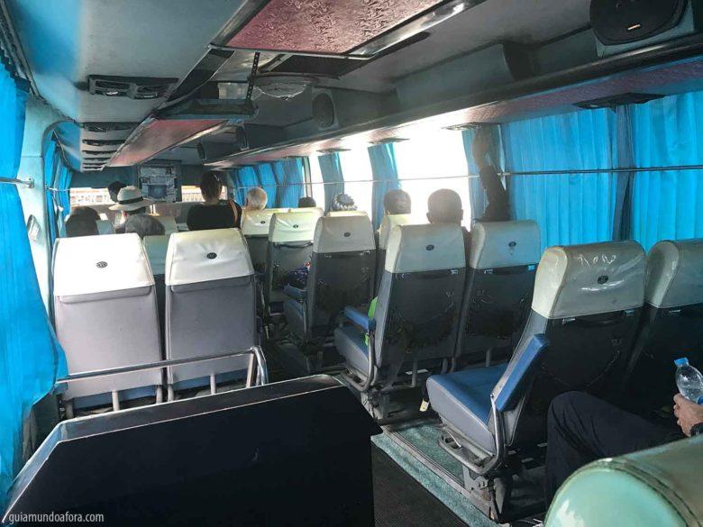 ônibus para rodar dentro da Tailândia