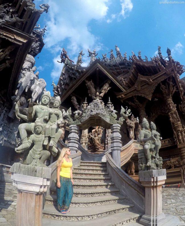 Santuário da Verdade em Pattaya na Tailândia