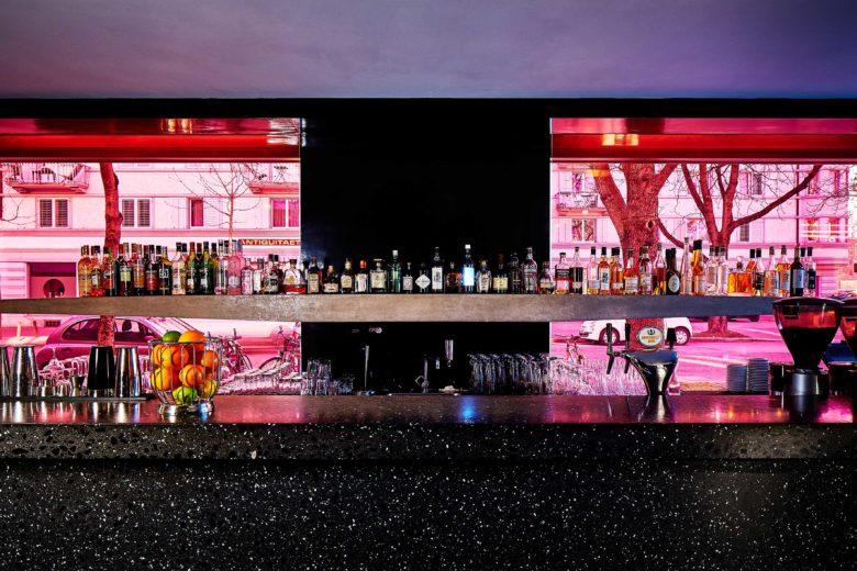 Bar do Greulich Design & Lifestyle Hotel, um do hotéis na suíça para amantes de arte