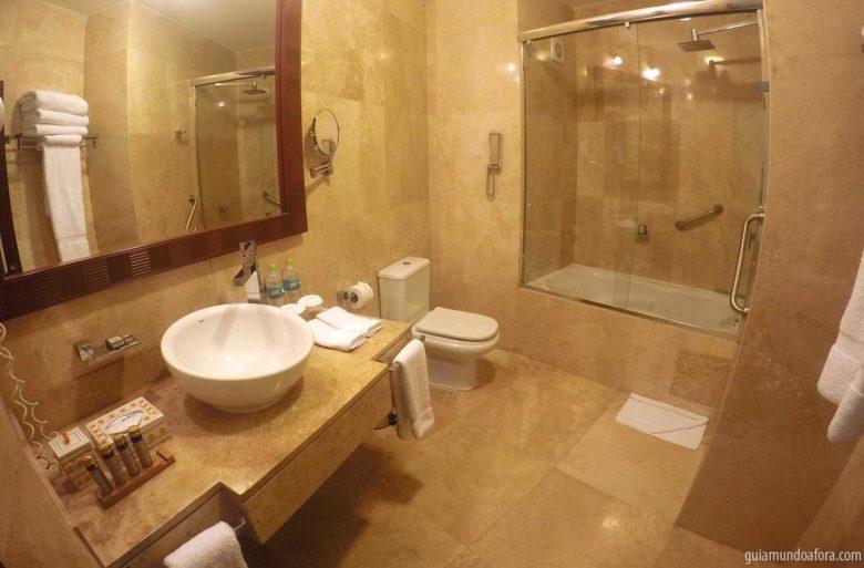 banheiro hotel águas calientes
