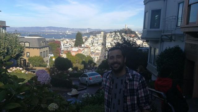 Lombard Street presenta unas de las mejores vistas de la ciudad. Que hacer en San Francisco