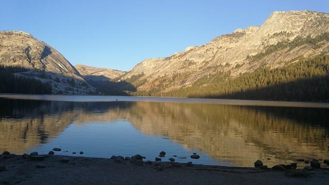 Tenaya Lake, impresicindible verlo. Yosemite.