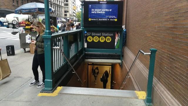 Boca de metro de Nueva York, calle 57.