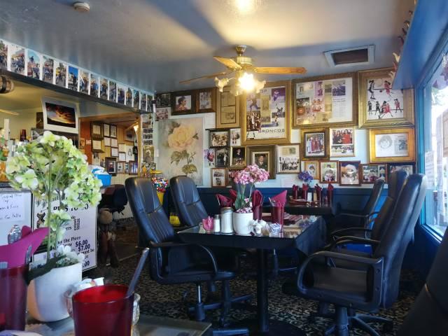 Sin duda un lugar curioso y agradable donde además comimos muy bien. Petite Pantry, un lugar fantástico para comer.