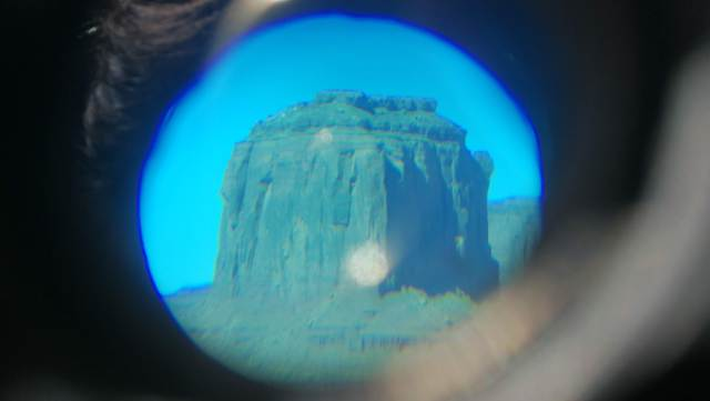 Ni con prismáticos llegamos a ver el Elefante. Elephant Point en Monument Valley.