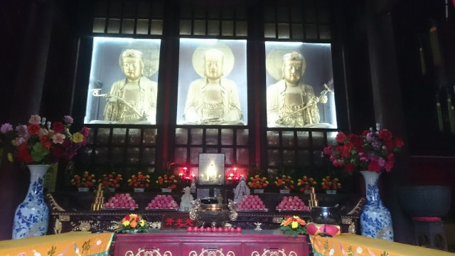 Como llegar al Gran Buda de Leshan. Presentes en toda Asia.