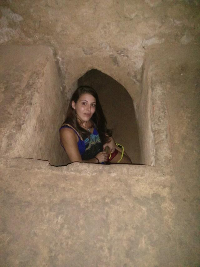 Los estrechos y oscuros túneles de CuChi