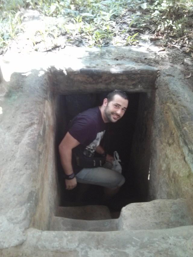 Entrada a uno de los túneles. Cuchi