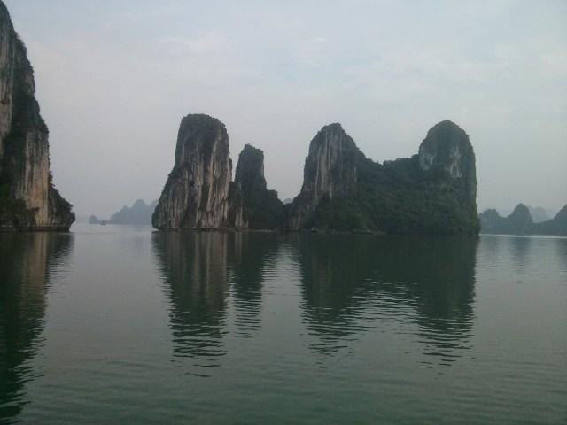 Bahía de Halong, rocas kársticas.