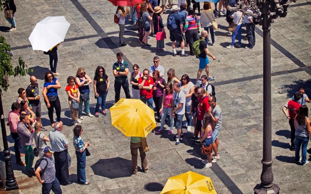 "¡No, yo no llevo paraguas! : O como un ""free tour"" degrada la profesión"