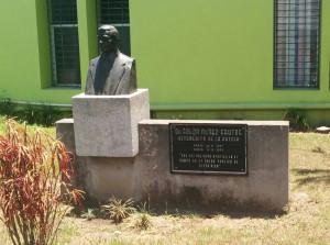 Dr. Solón Núñez Frutos