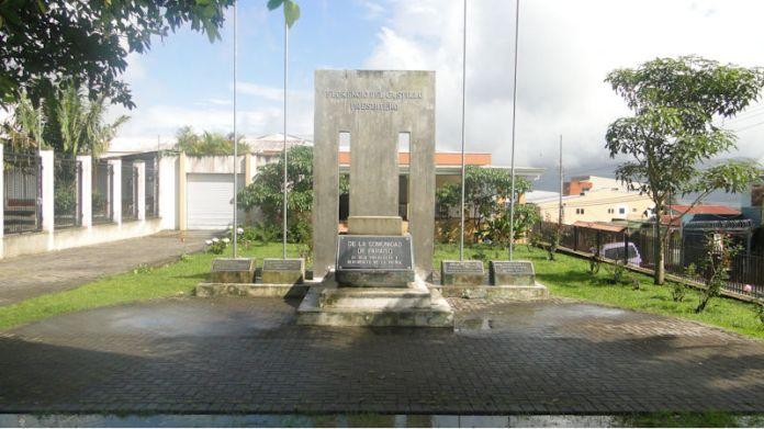 Monumento Florencio del Castillo en Paraíso de Cartago